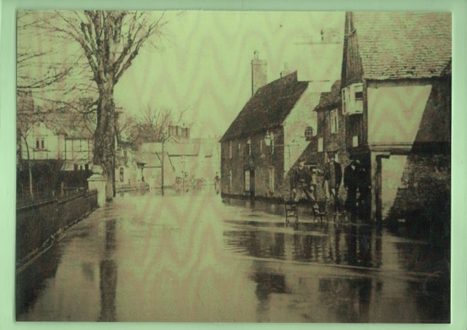 Floods in Turvey, early 20th century