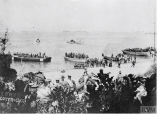 Percy Clifton: Australians landing on the beach at Gallipoli | With Permission from Imperial War Museum. Q112876
