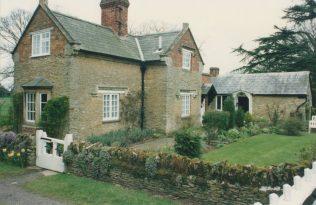 Back Lodge to Turvey House
